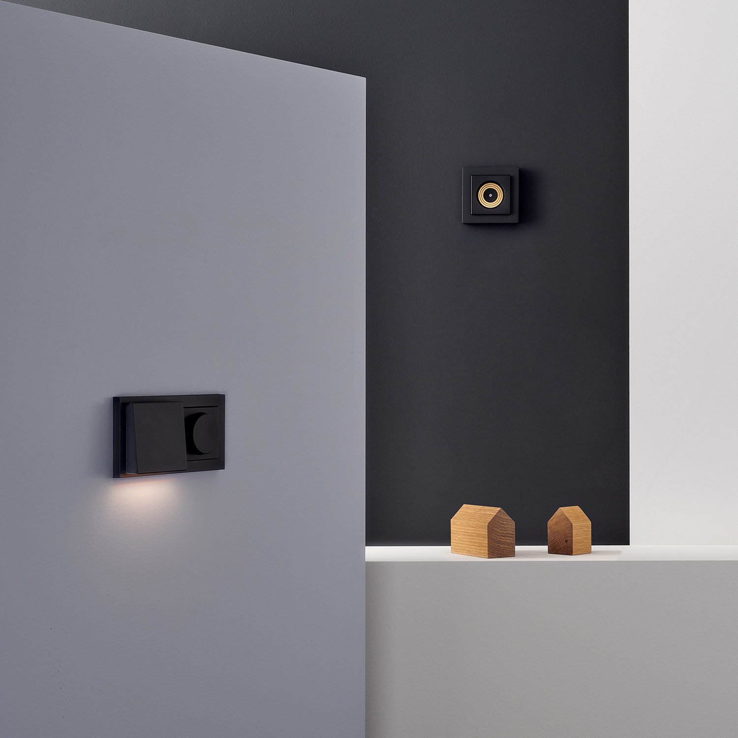 Plug-&-Light-Gira-Lichtsteckdose-Dimmer-Fluter