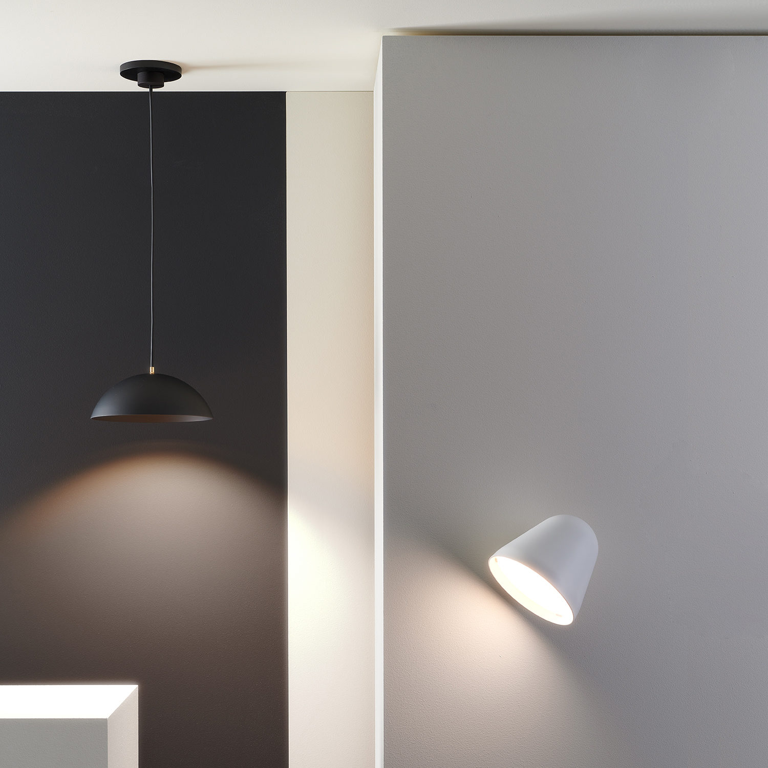 Plug-&-Light-Nyta-Tilt_wall_Pong